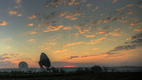 Estação de terra satélite video estoque