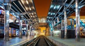 Estação de trem na noite Foto de Stock Royalty Free