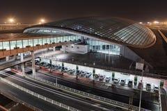 Estação de trem no terminal de aeroporto principal 3 do Pequim na noite Imagem de Stock Royalty Free