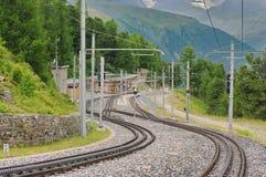 Estação de trem de Riffelalp - montanhas dos cumes, atração do marco em Suíça Fotografia de Stock Royalty Free