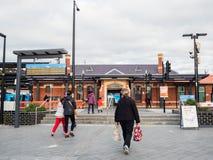 Estação de trem de Ringwood na cidade de Maroondah nos subúrbios orientais de Melbourne foto de stock