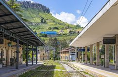 Estação de trem Stazione di Enna de Enna, Sicília, Itália Imagem de Stock