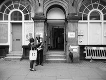 Estação de votação em Londres preto e branco Foto de Stock Royalty Free
