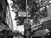 Estação de votação em Londres preto e branco Fotos de Stock Royalty Free