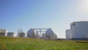 Estação do armazenamento de combustível video estoque