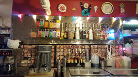 Estação do café e da bebida dentro do planeta Java Diner fotografia de stock