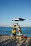 Estação do Lifeguard na foto conservada em estoque vertical da praia Fotografia de Stock Royalty Free