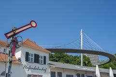 Estação no porto e ponte pedestre em Sassnitz Fotografia de Stock Royalty Free