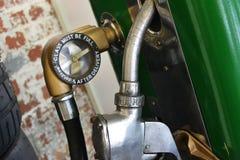 Estação velha do reabastecimento do carro Imagens de Stock Royalty Free