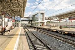 Estações e trens de passageiros modernos de estradas de ferro do russo Fotografia de Stock Royalty Free