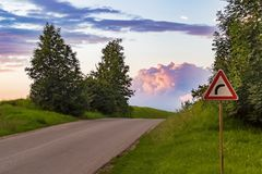 Esta é a curva na estrada foto de stock royalty free