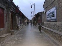 Esta é uma rua chinesa antiga protegida imagens de stock