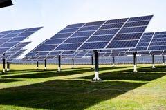 Esta??o solar grande em um dia claro fotos de stock royalty free