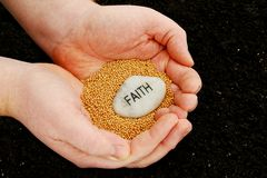 Establecimiento de los gérmenes de la fe Fotografía de archivo libre de regalías