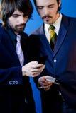 Establecimiento de una red de los hombres de negocios Fotografía de archivo libre de regalías
