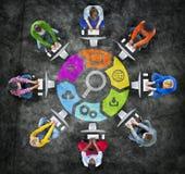 Establecimiento de una red y SEO Concepts sociales de la gente Imagenes de archivo