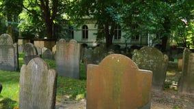 King`s Chapel Cemetery Establishing Shot. 7109 An establishing shot of headstones in King`s Chapel Cemetery in Boston stock video