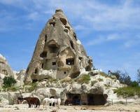 Establo en casa de la cueva en el pueblo de Goreme Cappadocia fotografía de archivo