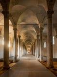 Establos antiguos, diseñados por Leonardo da Vinci, en Vigevano, AIE Foto de archivo