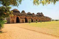 Establos del elefante, Hampi, Karnataka, la India (la UNESCO Imagen de archivo libre de regalías