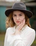 Establos hermosos de Ginger Teenager In Front Of Imagen de archivo