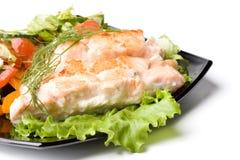 Estaca de um salmão com vegetais imagem de stock