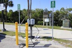 Estación de carga del vehículo eléctrico Fotos de archivo libres de regalías