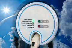 Estación de carga para el coche híbrido eléctrico Imágenes de archivo libres de regalías
