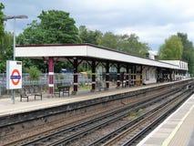 Estación de Chalfont y de Latimer, en la línea metropolitana del metro de Londres imagenes de archivo