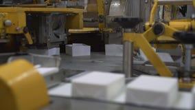 Estación de empaquetado del producto lácteo almacen de video