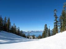 Estación de esquí celeste Foto de archivo libre de regalías