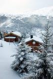 Estación de esquí después de la tormenta de la nieve Fotografía de archivo libre de regalías