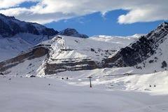 Estación de esquí en la tarde Imagenes de archivo