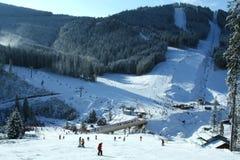 Estación de esquí, paisaje del invierno de la montaña Foto de archivo