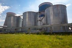 Estación de gasolina y aceite de la energía Fotografía de archivo libre de regalías