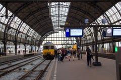 Estación de la central de Amsterdam Imágenes de archivo libres de regalías