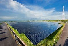Estación de la energía solar Imagenes de archivo
