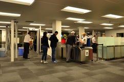 Estación de la seguridad aeroportuaria Imágenes de archivo libres de regalías