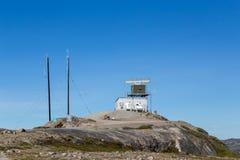 Estación de la torre del radar en Kangerlussuaq, Groenlandia foto de archivo