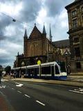 Estación de la tranvía en el cuadrado Amsterdam del dem imagenes de archivo