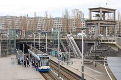 Estación de la tranvía de Rietlandpark en Amsterdam foto de archivo libre de regalías