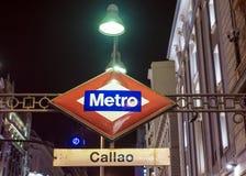Estación de metro del letrero en Madrid, España Imágenes de archivo libres de regalías