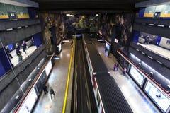 Estación de metro en Santiago de Chile. Imagen de archivo libre de regalías