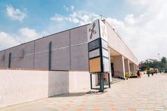 Estación de metro majestuosa de Nadaprabhu Kempegowda Stn en Bangalore, la India foto de archivo libre de regalías