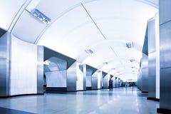 Estación de metro moderna fotos de archivo libres de regalías