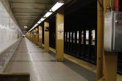 Estación de metro vacía de New York City Imagenes de archivo