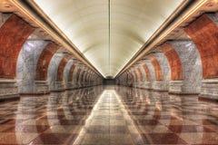 Estación de metro vacía del parque de la victoria Foto de archivo
