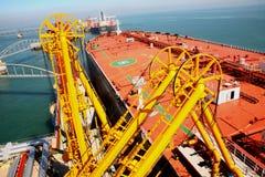 Estación de petróleo cruda grande Fotografía de archivo libre de regalías