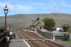 Estación de Ribblehead, línea ferroviaria de Carlisle del Settle fotografía de archivo libre de regalías