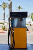 Estación de servicio de la gasolina del reaprovisionamiento del dispensador de los surtidores de gasolina del arma de bomba de ga Foto de archivo